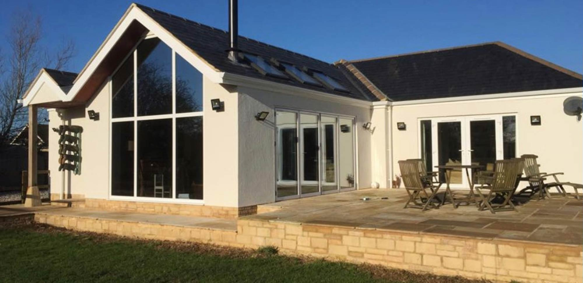 Bungalow with patio in Oxfordshire